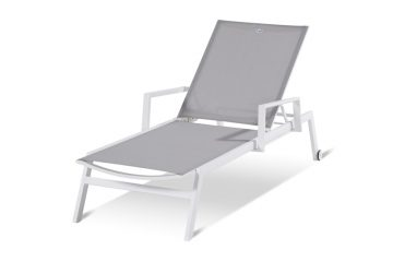 Loungers & beds