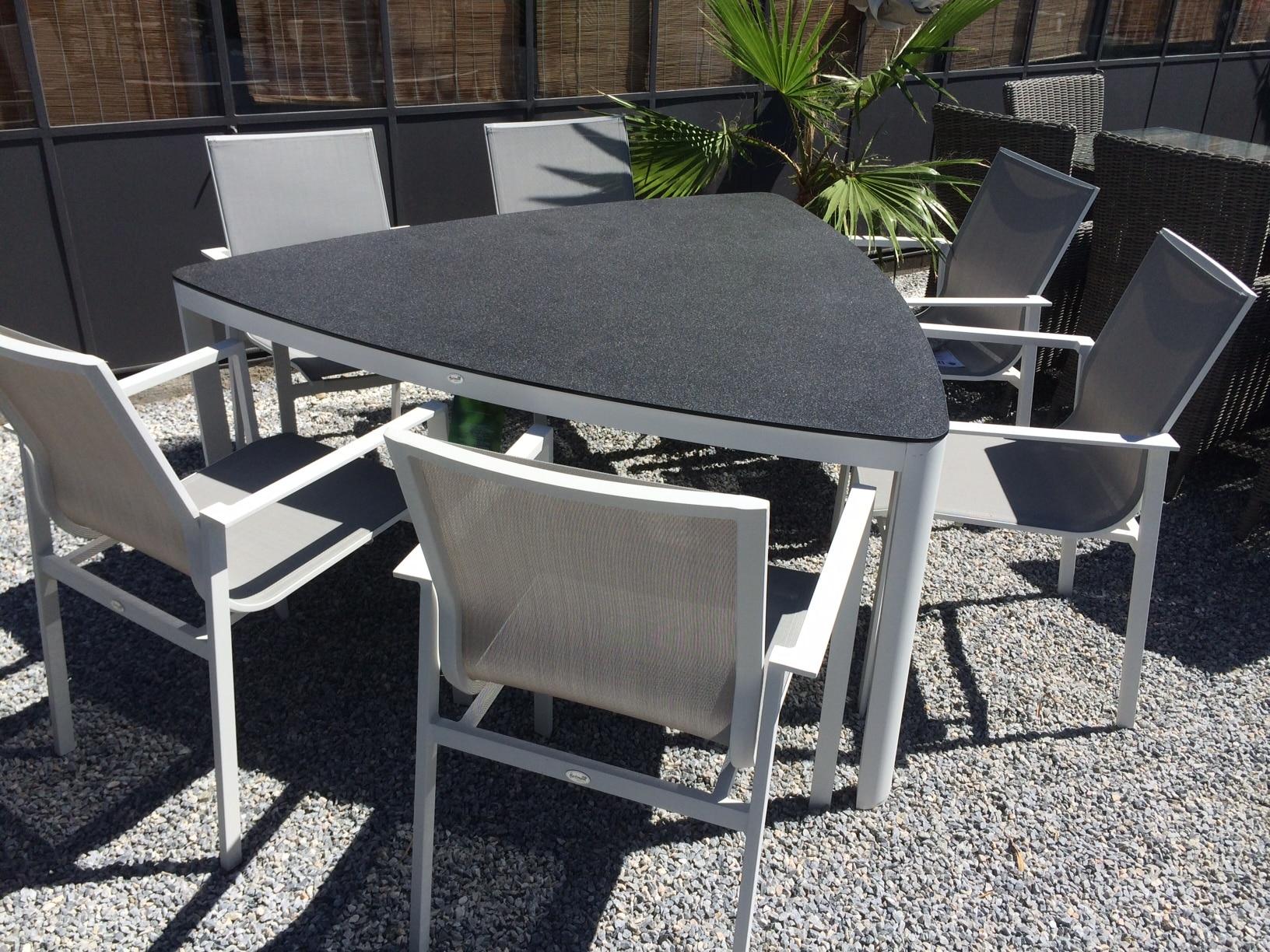 Hartman Gibraltar Triangular Table Set De Tropen