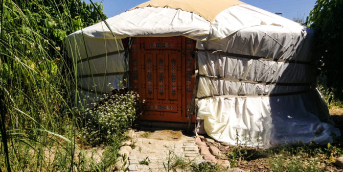 Yurta De Tropen